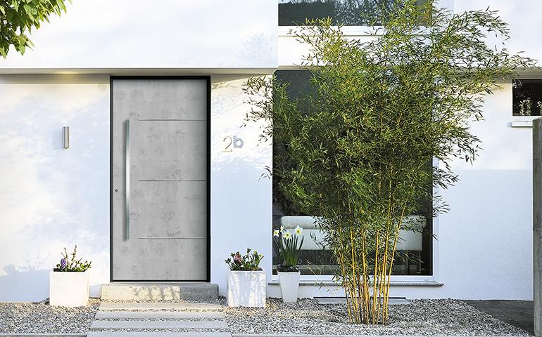 hier ffnen sich neue perspektiven kunststoff haust ren. Black Bedroom Furniture Sets. Home Design Ideas